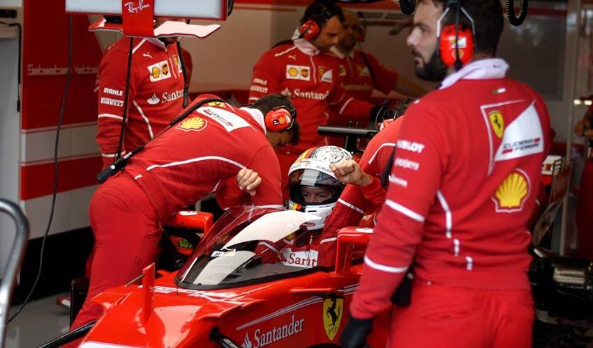 Bottas volta a surpreender, agora em Silverstone