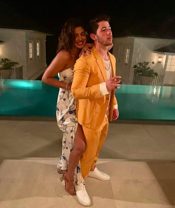 Priyanka Chopra e Nick Jonas na segunda viagem de Lua de Mel dos dois, no  Caribe (Foto  Instagram) 74fdf3445d
