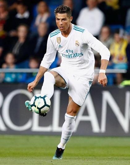 Cristiano Ronaldo deixa o Real Madrid e fecha com a Juventus. (Foto   Reprodução) 51a95c66f9450