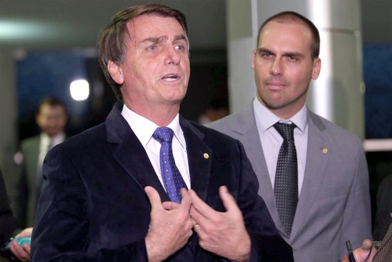 Facebook retira do ar páginas de apoiadores de Bolsonaro
