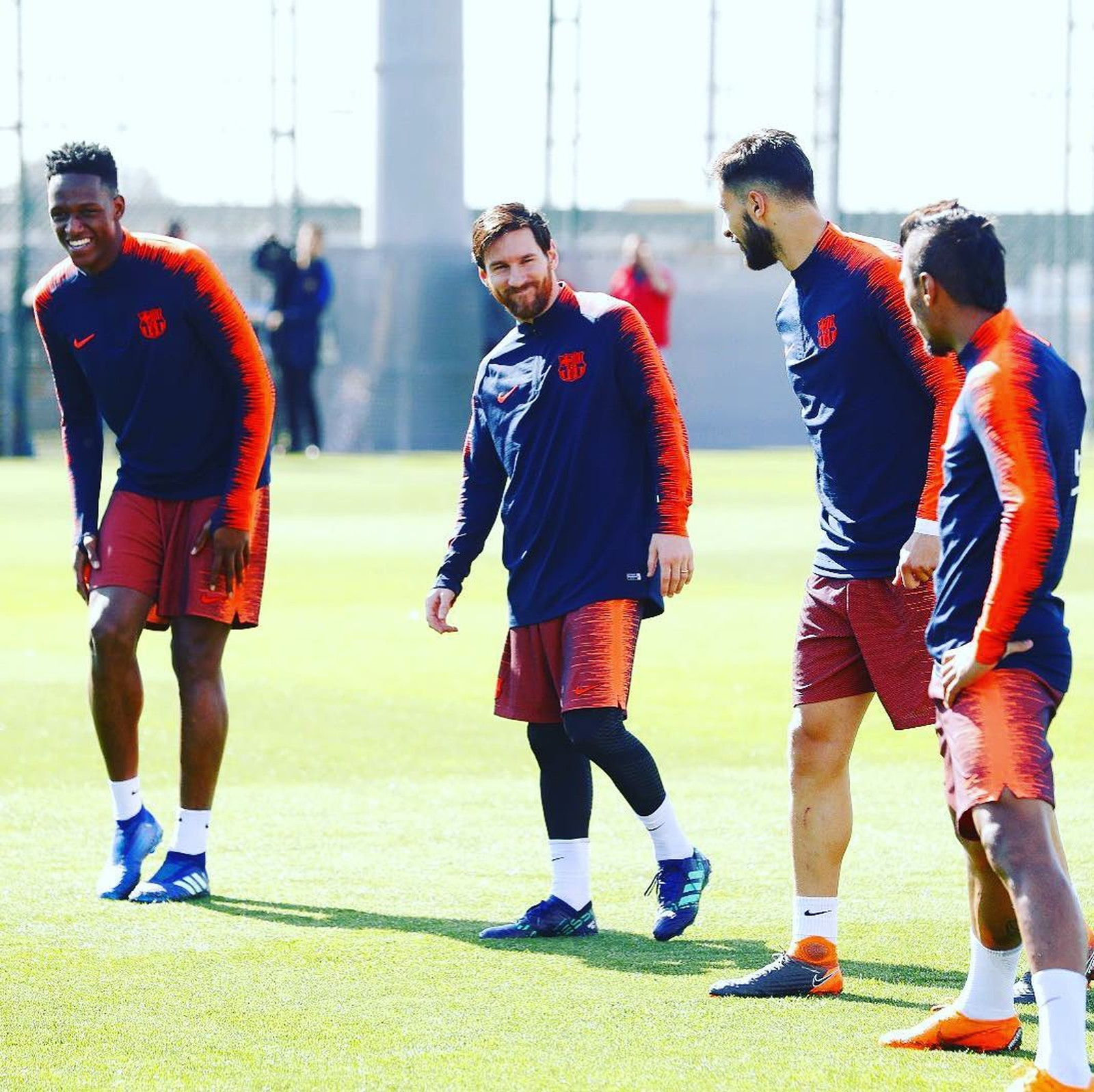 Recuperado de lesão, Messi volta ao Barça