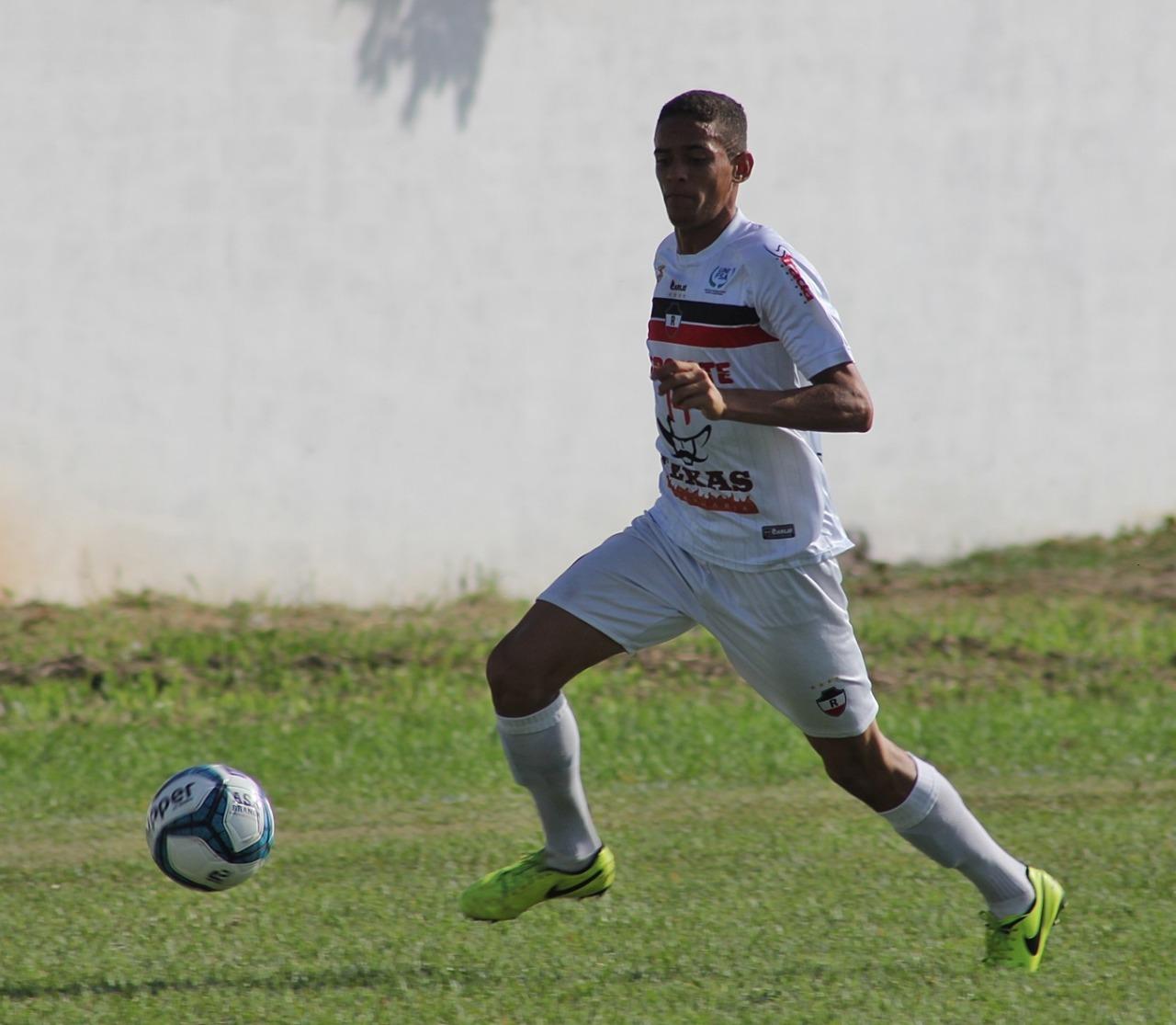 Ruan Santos conquista vaga no elenco profissional do River - Esporte ... ec099b6871e52