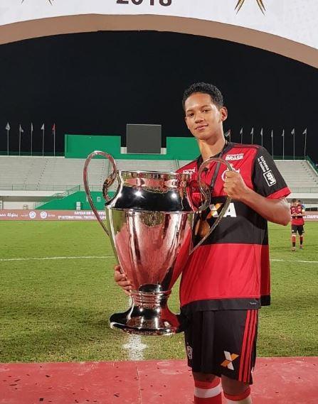 Samuel Barbosa é artilheiro das categorias de base do Flamengo - Foto: Reprodução/Twitter