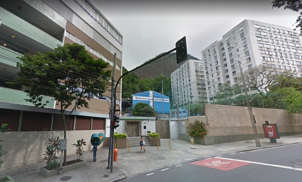 Baby Is Hit By Bullet Lost In Private School In Rio Brazil