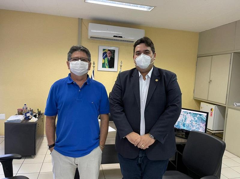 Presidente da CDPA, Marcus Vinícius, com o Superintendente Regional do DNIT no Piauí, José Ribamar Bastos.