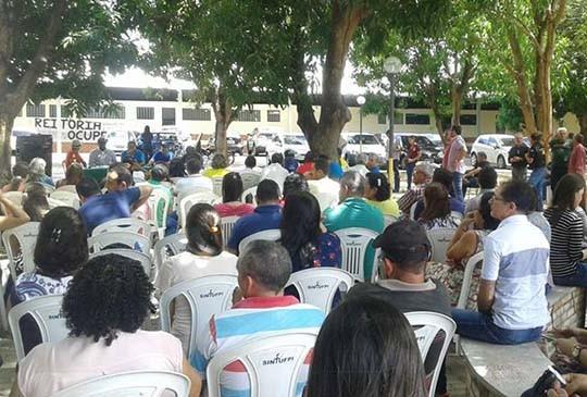 Servidores da UFPI decidem parar contra a PEC 241; reunião pode decidir greve geral