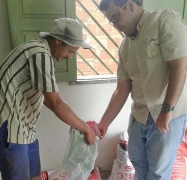 Prefeitura distribui sementes e incentiva agricultura familiar