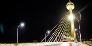 Ponte Estaiada recebe iluminação especial em alusão ao Movimento Maio Amarelo