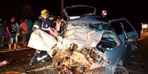 Motorista embriagado atinge carro e mata mãe e filha recém-nascida na BR-343