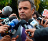 Enquanto PSDB costura apoio a Temer, Lava Jato avança sobre Aécio