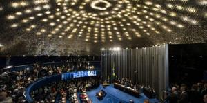 Sessão de hoje tem debate entre advogados e discursos de senadores; assista AO VIVO