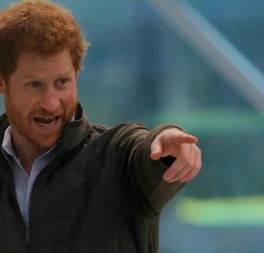 Harry diz que cogitou deixar família real e esteve à beira do colapso