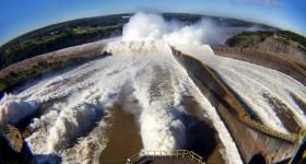 Itaipu atinge 2,5 bilhões de MWh de energia limpa e renovável