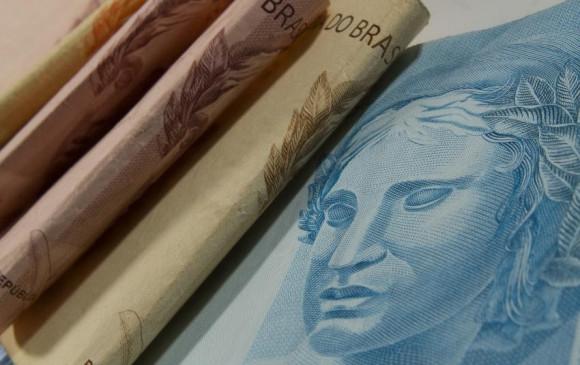Sétimo lote do abono salarial 2016 começa a ser pago nesta quinta-feira; R$ 2,671 bi liberados