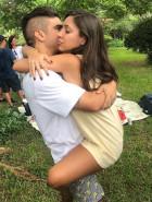 Caio Castro posta primeira foto com a namorada