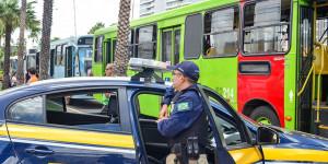 Para evitar multas, empresas de ônibus pressionam motoristas a desviarem de blitz