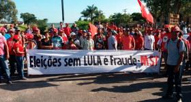 MST bloqueia nove rodovias na Bahia em defesa de Lula