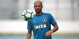 Cruzeiro: briga judicial para não quitar dívida por compra de B. Silva