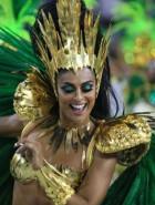 Juliana Paes segue como rainha de bateria