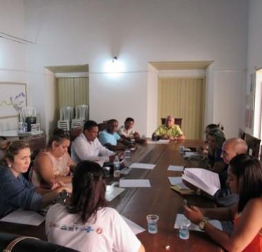 Gestores públicos de seis municípios debatem desenvolvimento econômico