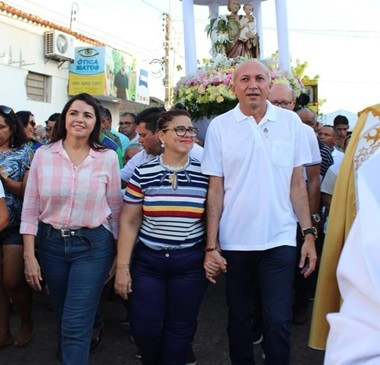 Procissão de São José reúne milhares de pessoas