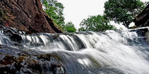 O mergulho na Cachoeira da Campeira é uma imersão de paz a 67 km de Teresina