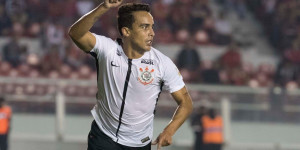 Corinthians supera Independiente fora de casa e lidera grupo 7