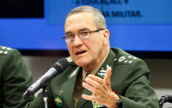 Corrupção, impunidade e ideologização de problemas ameaçam democracia, diz general