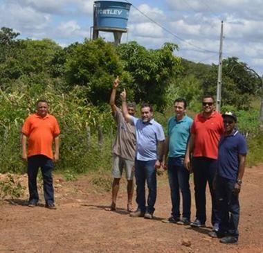 Prefeito Zé Raimundo inaugura energia elétrica em comunidade rural