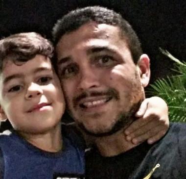 'Cadeia é pouco', diz pai sobre pastor acusado de estuprar e matar o filho