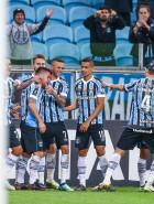 Grêmio vence Defensor pela Libertadores