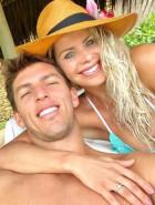 Karina Bacchi está noiva de Amaury Nunes