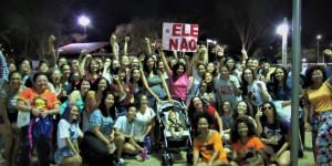Mulheres do Piauí se unem a ato nacional e fazem protesto contra Bolsonaro