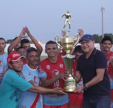 Alto Franco vence Altoense e leva título da 1ª divisão de campeonato