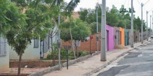 Dezenas de famílias ocupam casas em conjunto habitacional de Timon