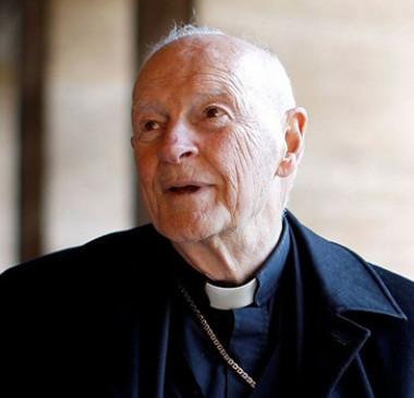 Papa expulsa cardeal americano acusado de abusos sexuais