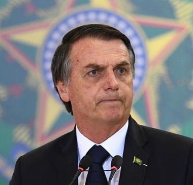 Bolsonaro recebe líder do governo na Câmara para tratar de aproximação
