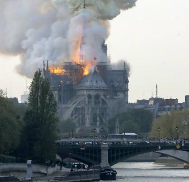 Incêndio em Paris liga alerta sobre preservação na Europa