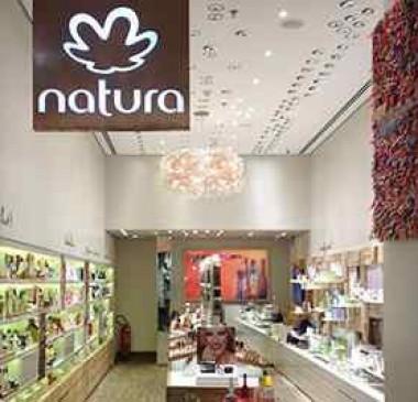 Natura compra Avon e se torna 4ª maior do segmento de beleza