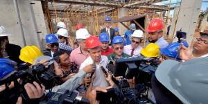 Nova maternidade de Teresina será concluída em 2021, garante Wellington Dias
