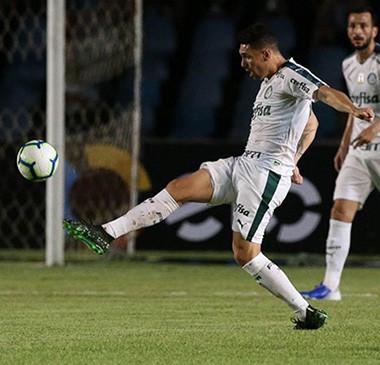 Palmeiras vence fora, e São Paulo perde em estreia na Copa do Brasil