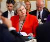 Em meio a crise, primeira-ministra Theresa May anuncia renúncia