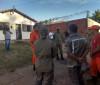 Bombeiros são acionados para controlar incêndio em casa no Torquato Neto