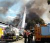 Fogo em matagal causa incêndio em fábrica de calçados na zona Sul