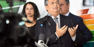 No PI, Flávio Dino rebate Bolsonaro: 'Consórcio fortalece o Brasil'