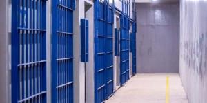 Cadeia de Altos é inaugurada sob protestos de aprovados em concurso para agentes