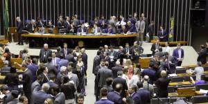 Nove deputados piauienses votam a favor de novas regras eleitorais