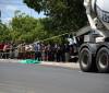 Acidente com moto e caminhão deixa uma pessoa morta e outra ferida