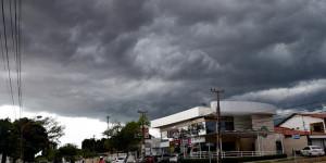 132 cidades do Piauí podem ter chuvas com vendavais e raios na noite de hoje