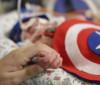 Bebês internados em UTI ganham ensaio fotográfico temático